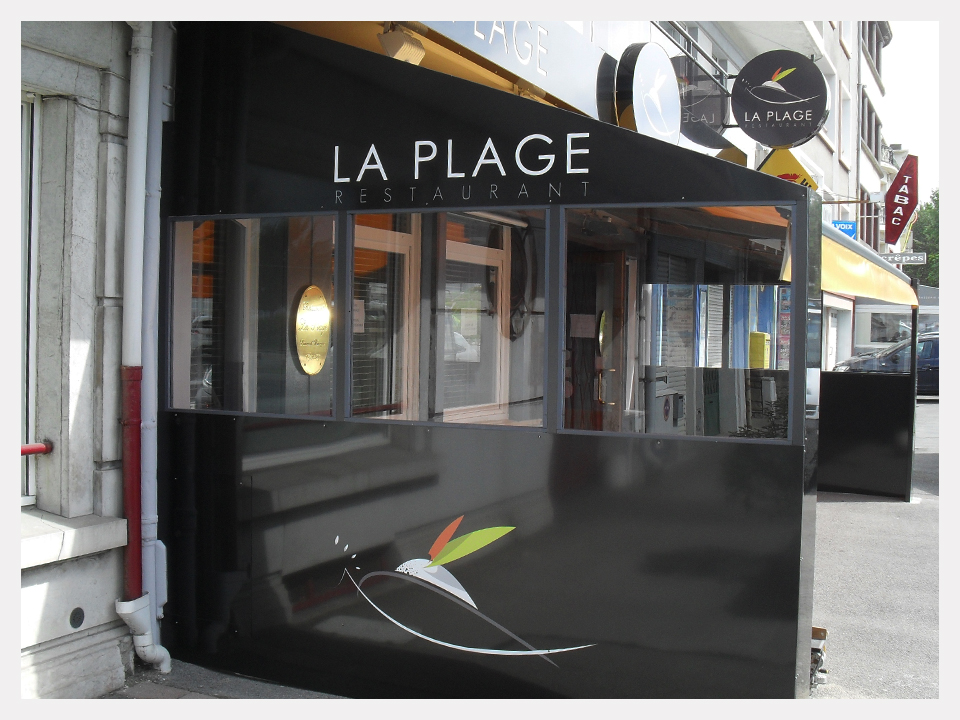 restaurant la plage paravent sur mesure boulogne sur. Black Bedroom Furniture Sets. Home Design Ideas